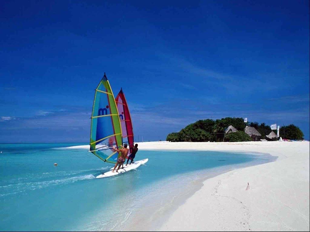 Море небо тропики море лодка с